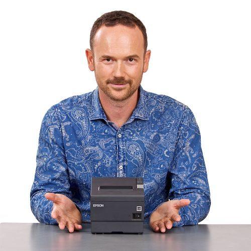 Martin Pavlík s pokladní tiskárnou EPSON pro chytrou pokladnu miniPOS, www.miniPOS.cz